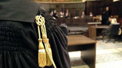 Effetti della tardiva registrazione del contratto di locazione: contrasto giurisprudenziale